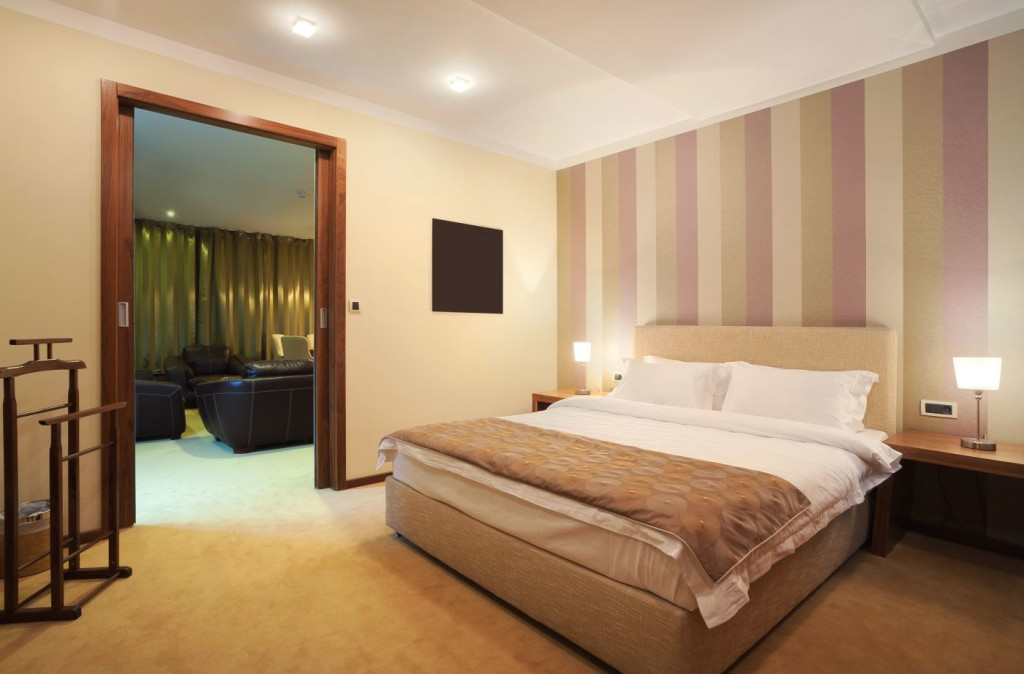 Source. Krsmanovic/Hotel Room/123rf