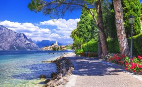 Credits: Lake Garda by Freeartist/123RF