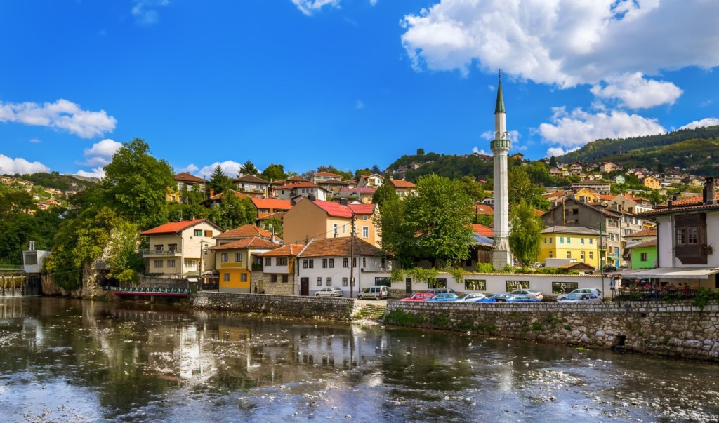 Credits. Sarajevo, photo by Violin/can stock photos