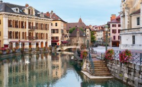 credits. Annecy by Segiyn/can stock photo